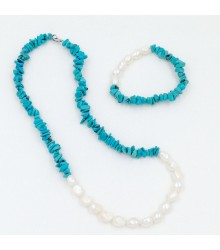 "20"" Turquoise chips with fresh water pearl necklace and stretch bracelet set"