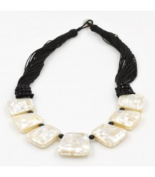 "21"" Mother of Pearl with onyx necklace"